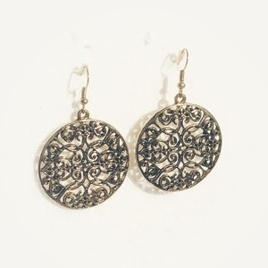Brushed Gold Filigree Dangle Lace Earrings